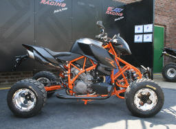 EATV 990 Super Duke R.jpg