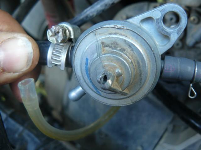 robinet essence quad [640x480].JPG